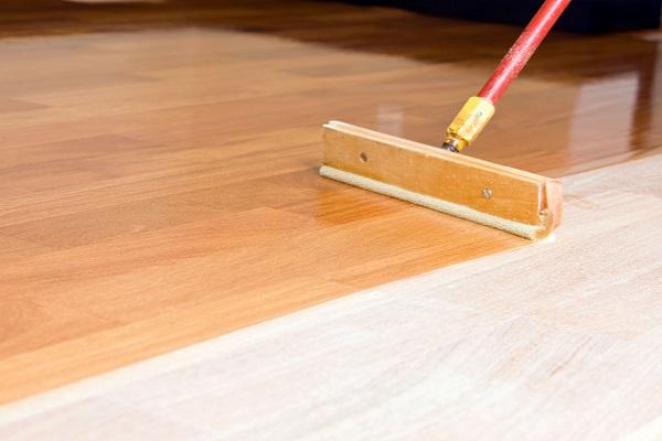 خصوصیات و اهمیت رنگ و پوششهای چوب